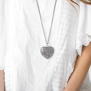 Victorian Virtue - Black heart necklace